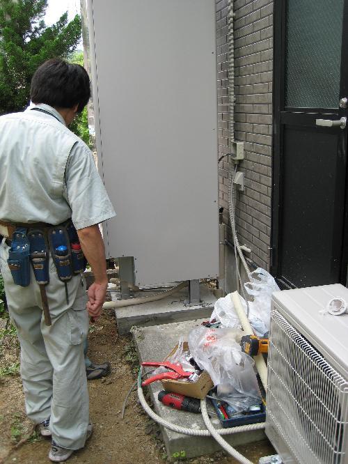 エコキュート給水配管工事中