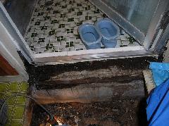 風呂場、洗面所のシロアリ駆除 堺市